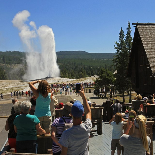 Yellowstone_Old Faithful