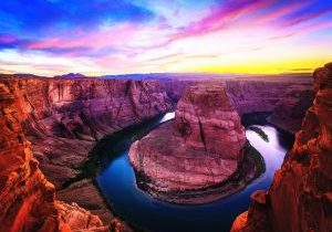 Amazing Sunset Vista of Horseshoe Bend in Page, Arizona
